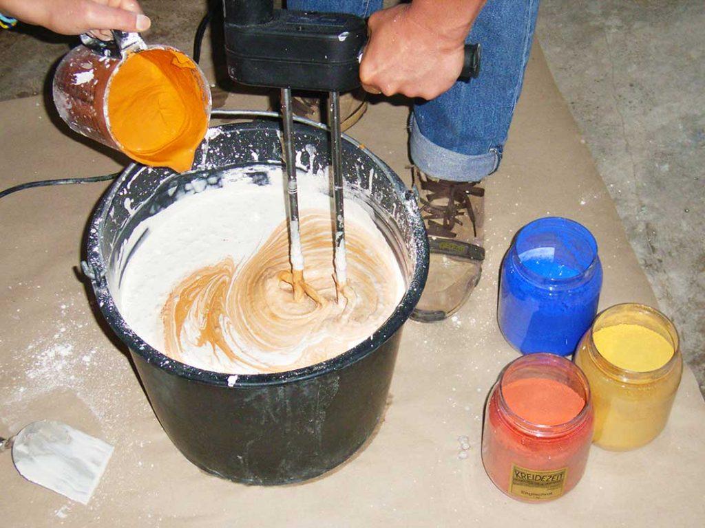 kreidezeit-naturfarben-wandfarben-kaseinfarbe-selbstanruehren