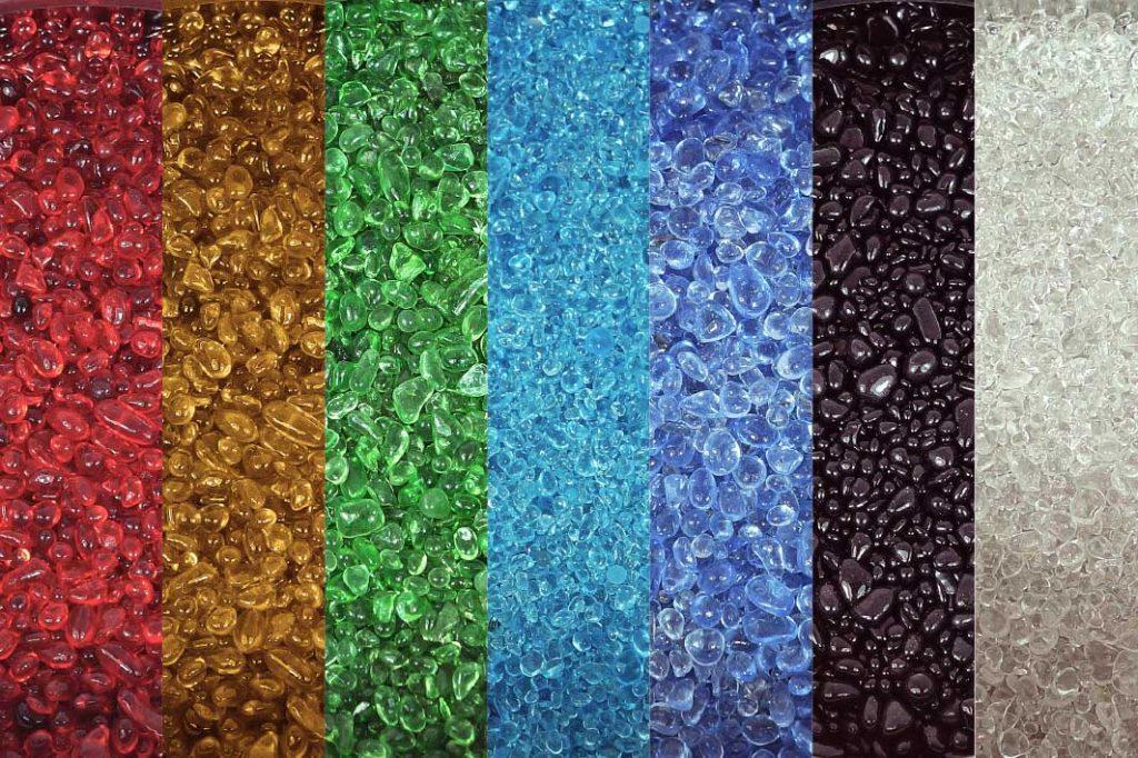 kreidezeit-naturfarben-surface-layout-glass-pebbles